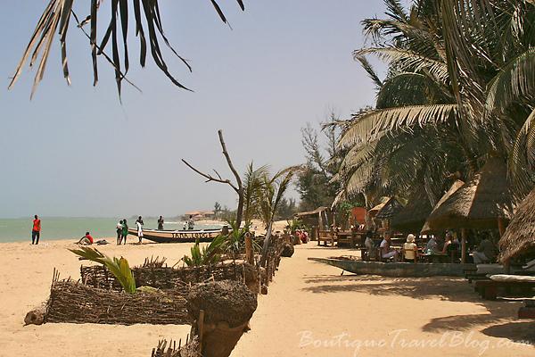 Tama Lodge beach