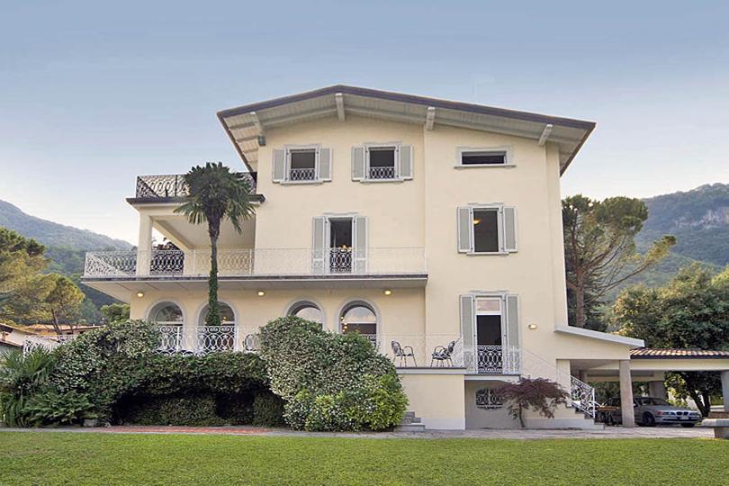 Holiday villa on the shores of Lake Como, Italy