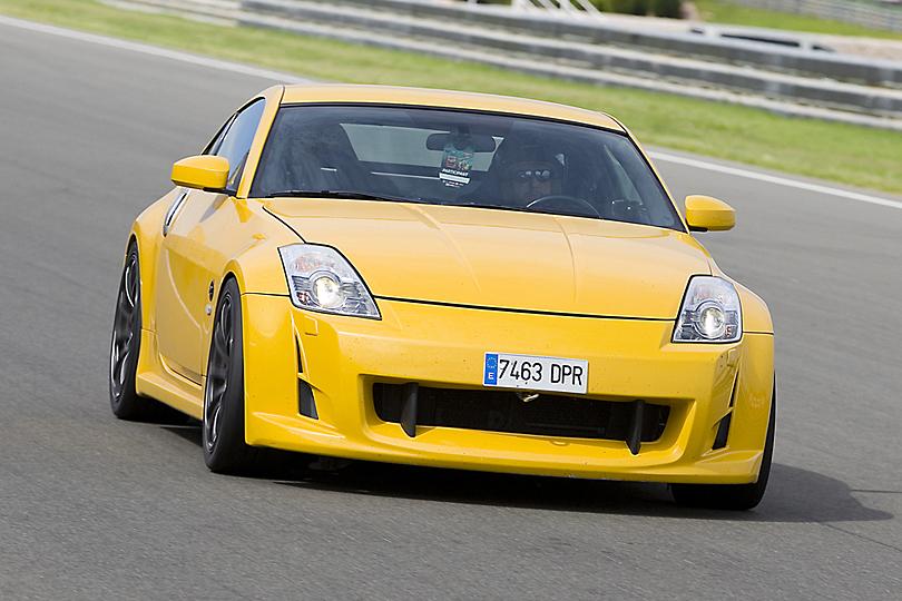 Nissan GTR - Driving experiences UK - Luxury car hire