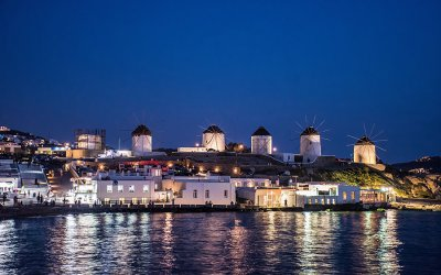 5 reasons to visit the stunning island of Mykonos